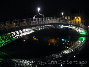 Photo of the Day: Ha'Penny Bridge at Night in Dublin, Ireland