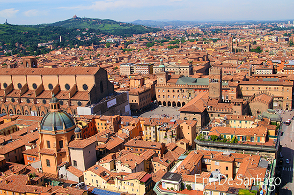 Bologna, Italy is one of the most beautiful cities I've visited